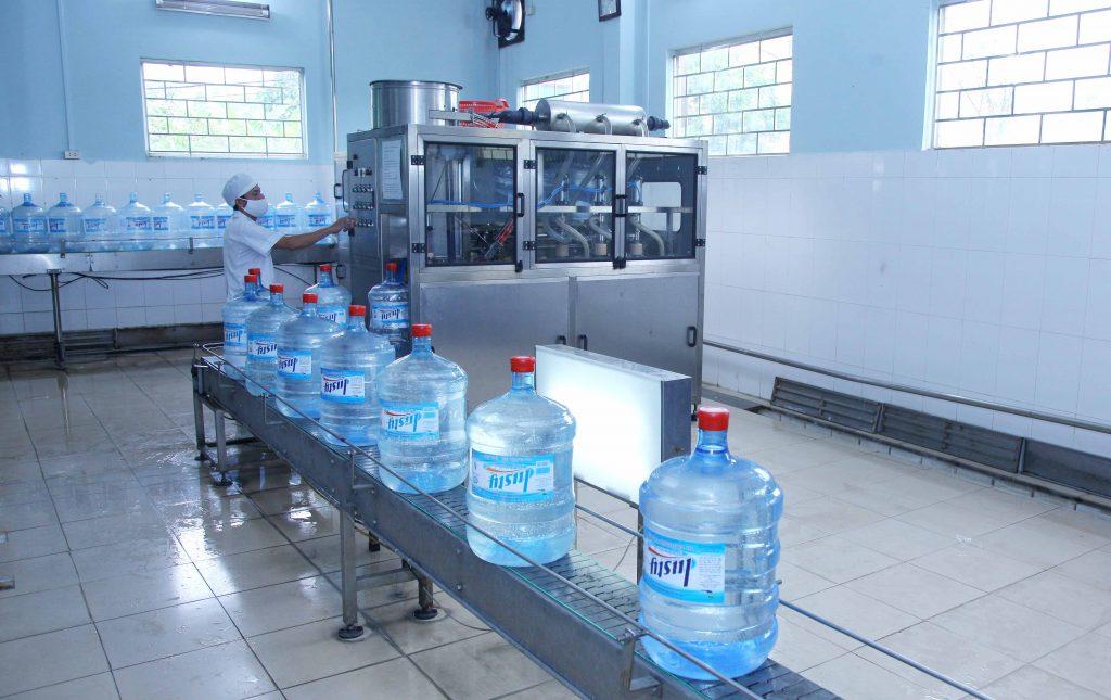 Các bước kiểm định chất lượng nước uống đóng chai hiện nay